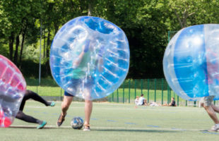 Bubbles foot team building paris insolite
